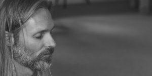 Mediteren tijdens retraite vs dagelijks leven
